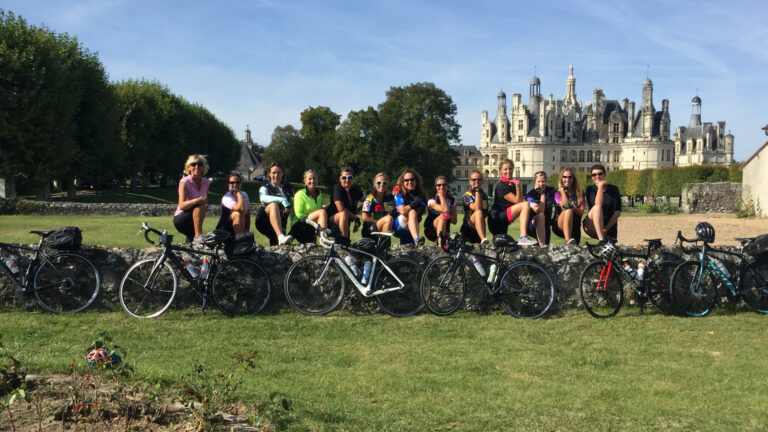 Visit the Château de Chambord with France à Vélo
