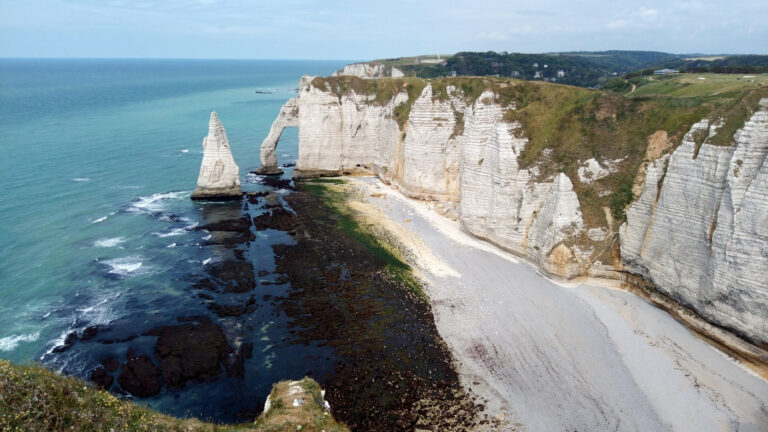 Cultural tourism, remembrance tourism, green tourism, seaside tourism, Normandy can be discovered in many forms.