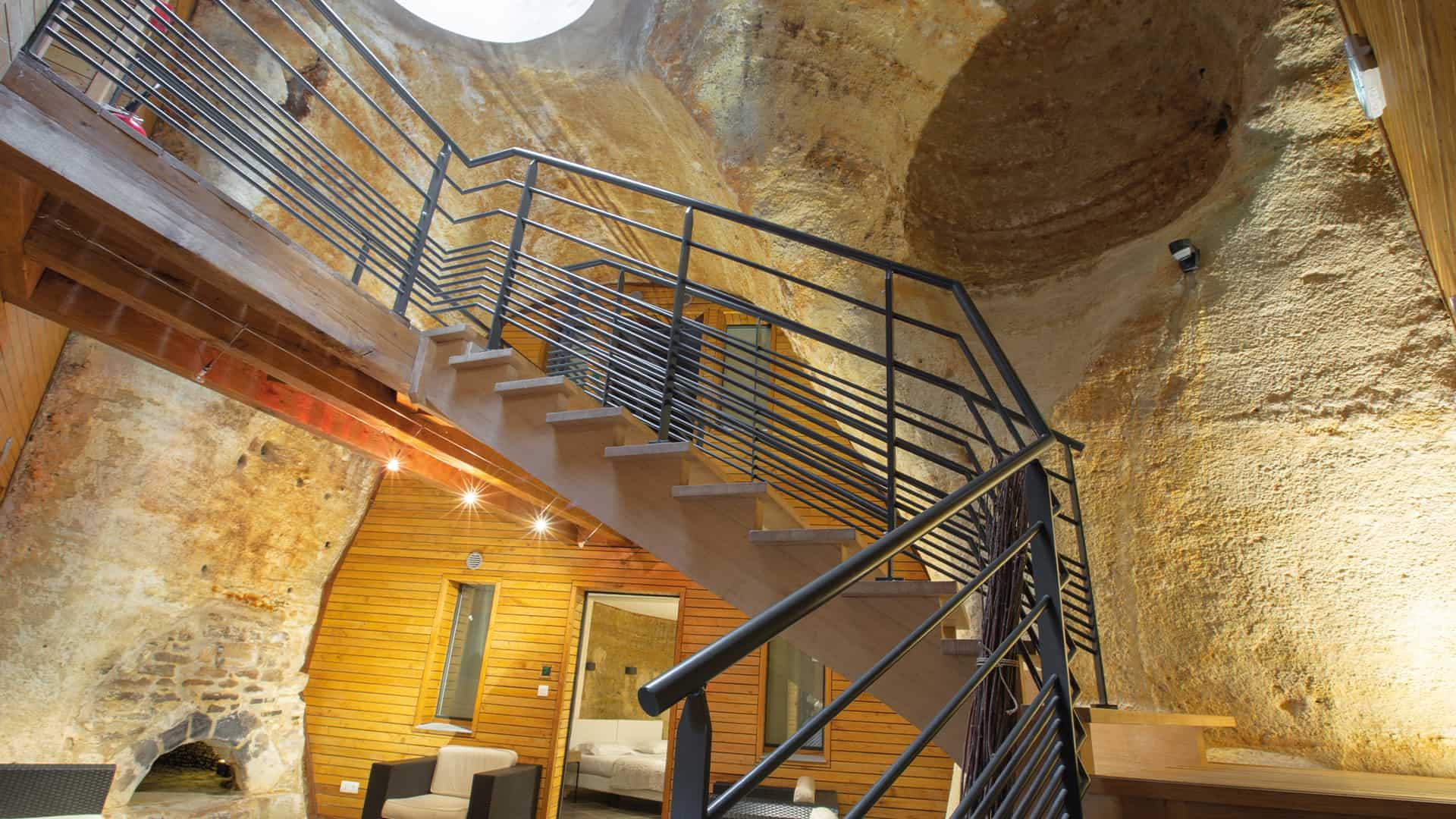 Digital detox business seminar in the Loire Valley underground