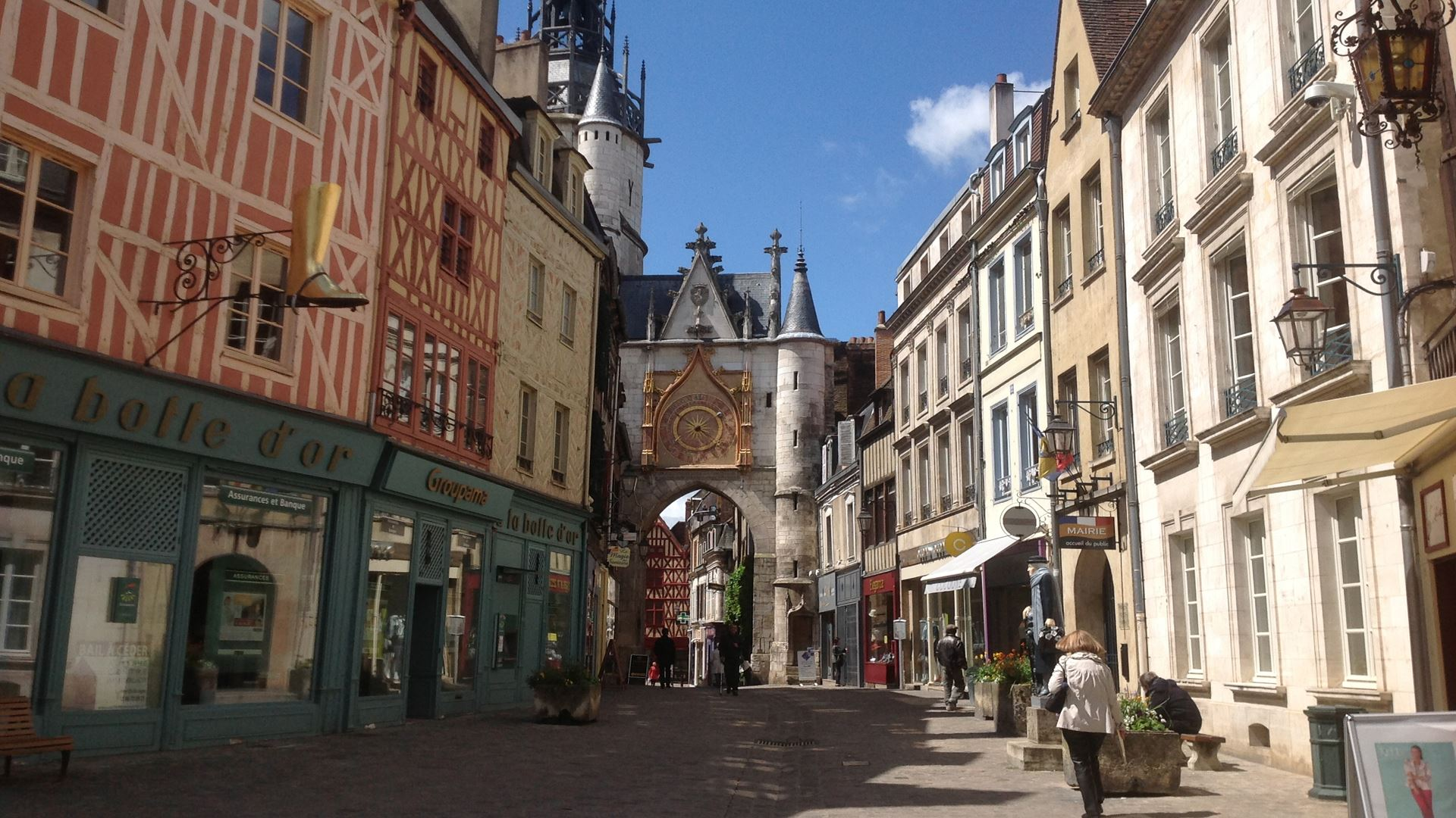 ACTIV WEEKEND IN THE VERY HEART OF AUXERRE AND CHABLIS AREA